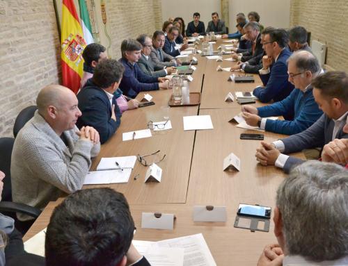 LOS ALCALDES DE LA SIERRA MORENA DE SEVILLA CONOCEN EL PLAN DE INVERSIONES PARA ACABAR CON LOS CORTES DE LUZ Y DE TELECOMUNICACIONES.