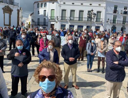 LLERENA: La Plataforma en Auxilio del Hospital se ha concentrado en la Plaza de España