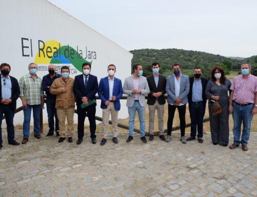 REAL DE LA JARA: El director general de Administración Local de la Junta de Andalucía ha presentado a los alcaldes de la Sierra Morena de Sevilla las nuevas ayudas para entidades locales.